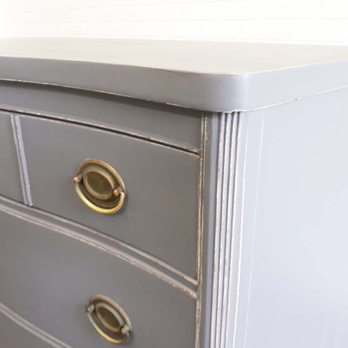 Bow Front Dresser Detail