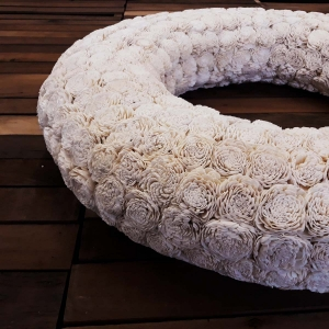 "31"" Hope wreath side view"
